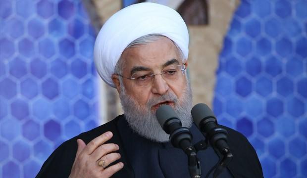Ruhani'den tehdit gibi açıklama: Dünyanın zararına olur