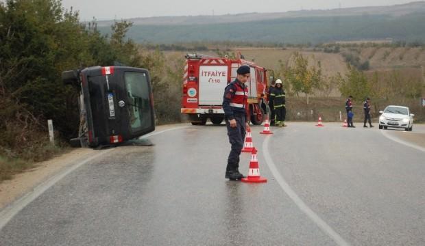 Yağmurun kayganlaştırdığı yolda kaza: 5 yaralı