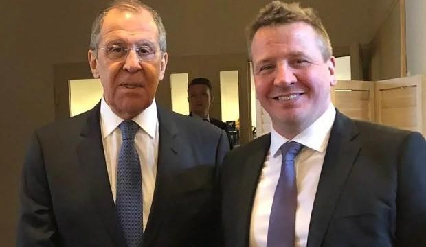Lavrov ve Thordarson....