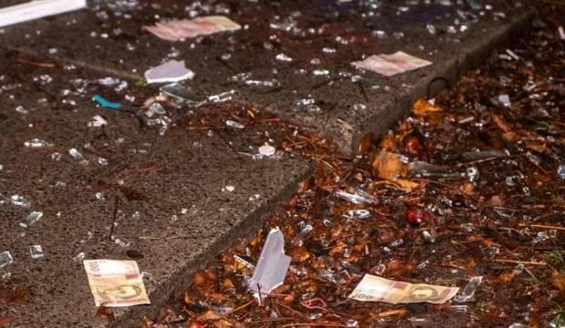 Ukrayna'da bankamatik havaya uçuruldu, paralar yola saçıldı