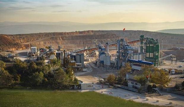Yüzde yüz Türk üretimi bin tonluk makine dünyanın ilgisini çekiyor