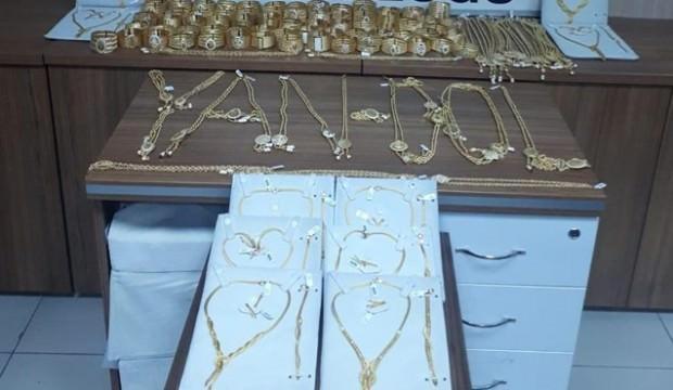 2 milyon liralık altın çaldıkları iddia edilen şüpheliler yakalandı