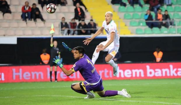 Alanyaspor, Adana'ya gol yağdırdı