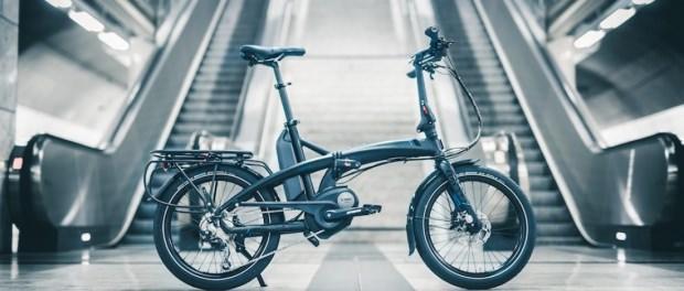 Elektrikli bisikletler ülkemizde de yaygınlaşıyor. Katlanır elektrikli bisikletler toplu taşıma kullanan kişiler için büyük kolaylık sağlıyor. Trafiğin yoğun olduğu bölgelerde elektrikli bisiklet kullananlar daha sonra Metro gibi toplu taşıma araçlarını kullanarak iş ve okullarına gidiyor