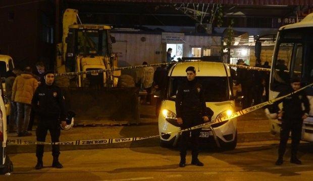 Bursa'da kavga ihbarına giden polis başından vuruldu