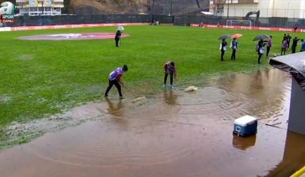 Bu görüntü için açıklama! 'Akyazı Stadı'nı istedik...'