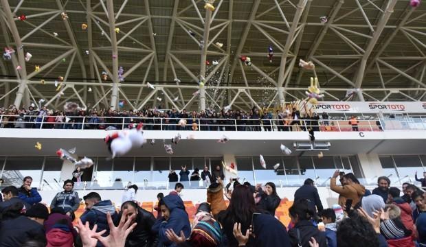 Türkiye Kupası maçı öncesi hediye sürprizi