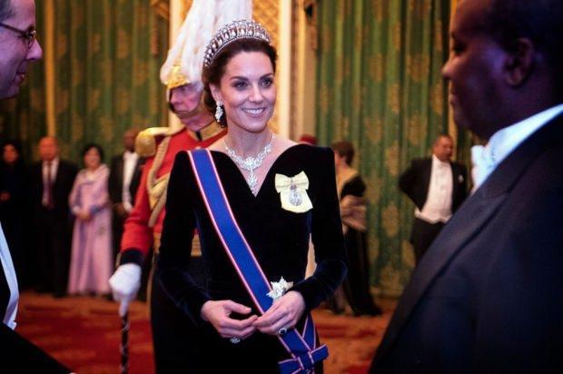 Kraliçe Elizabeth'in Kate Middleton'a hediye ettiği gerdanlık