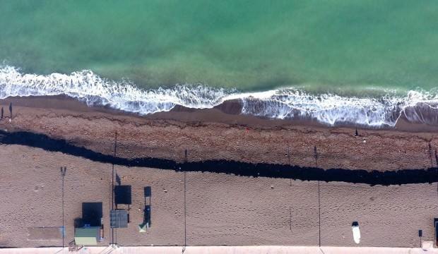 Akçakoca'da kum kıyıya 3 metre çekildi