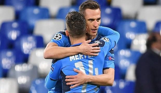 Milik hat-trick yaptı, Napoli farklı kazandı