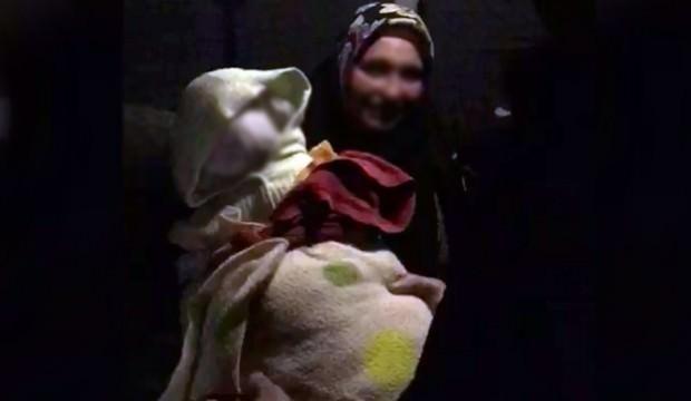 Dilencinin kucağındaki bebek görenleri şaşkına çevirdi