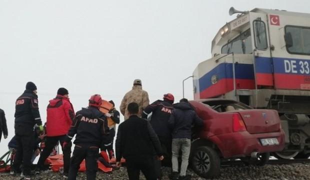 Kars'ta tren faciası: Ölü ve yaralılar var