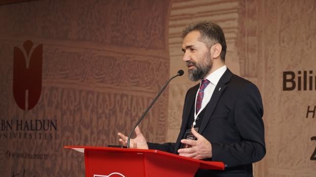 İbn Haldun Üniversitesi Rektörü Prof. Dr. Recep Şentürk.