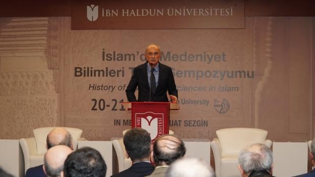 Prof. Dr. Fuat Sezgin İslam Bilim Tarihi Araştırmaları Vakfı Mütevelli Heyeti Başkanı Mecit Çetinkaya.