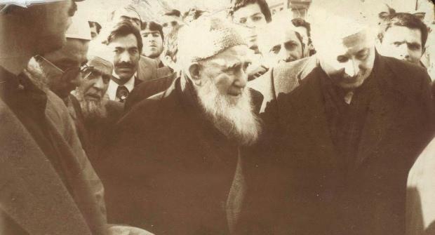 Mehmed Zahit Kotku ile Necmettin Erbakan.