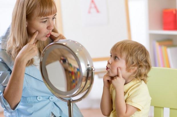 Bebek ve çocukların konuşması için ne yapılmalı?