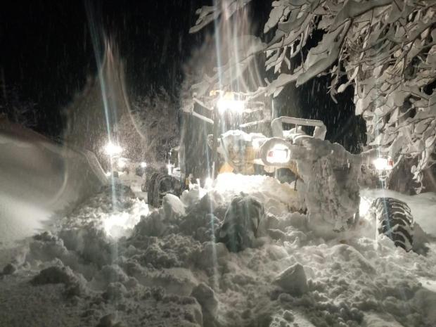 Mersin'in yüksek kesimleri yeni yıla karla girdi - Mersin'de okullar tatil mi?