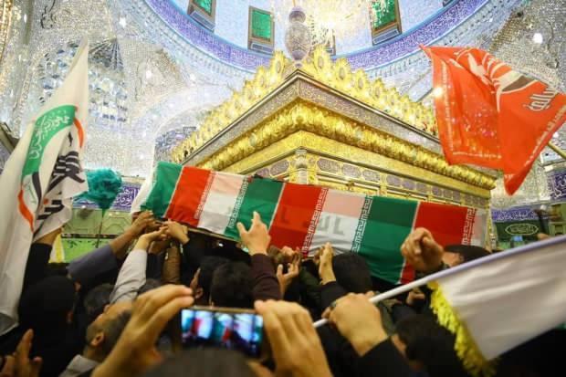 Irak'ın başkenti Bağdat'ta ABD tarafından öldürülen İranlı General Kasım Süleymani ile Şii Haşdi Şabi Güçleri Heyeti Başkan Yardımcısı Ebu Mehdi Mühendis için Kerbela kentinden düzenlenen cenaze törenine binlerce kişi katıldı.