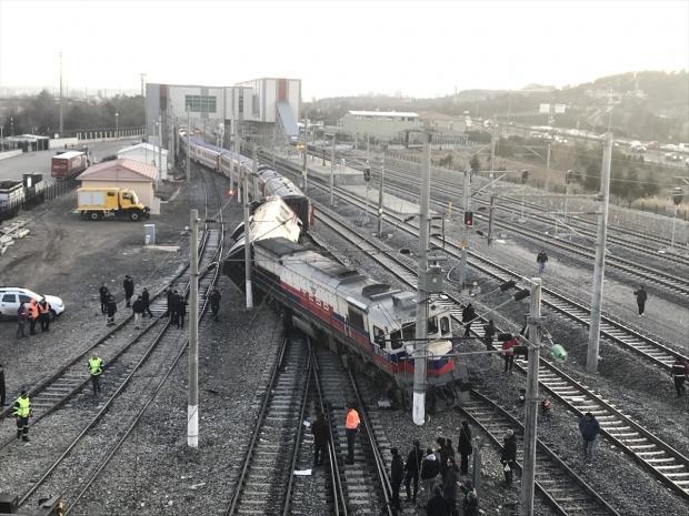 Doğu Ekspresi treni Ankara'daki istasyonda raydan çıktı