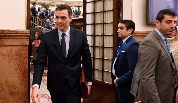 İspanya'da sosyalist lider Pedro Sanchez yemin etti