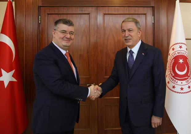 Kanal 7 Ankara Temsilcisi Mehmet Acet-Milli Savunma Bakanı Hulusi Akar.