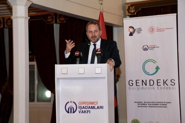 Kale Grubu Yönetim Kurulu Başkan Yardımcısı ve Teknik Bölüm Başkanı Osman Okyay