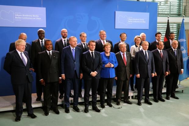 Cumhurbaşkanı Recep Tayyip Erdoğan, zirve öncesi diğer liderlerle birlikte aile fotoğrafı çekimine katıldı.