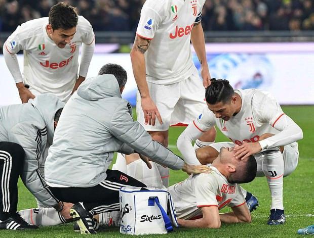 Cristiano Ronaldo ve Dybala, tedavisi sırasında Merih'in başından ayrılmadı