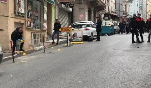 Beyoğlu'ndaki HDP binası önünde hareketli dakikalar