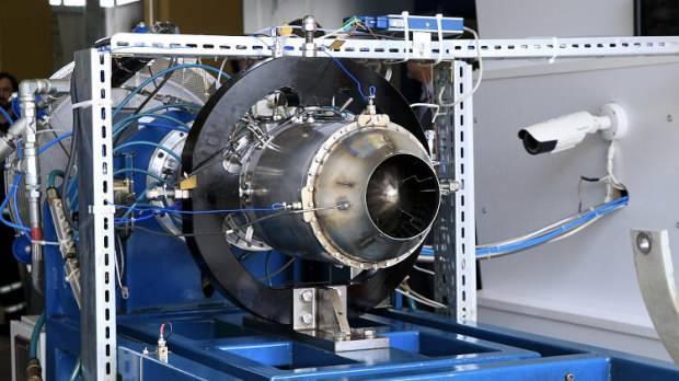 KALE Holding tarafından üretilen ilk yerli ve milli Turbojet motoru- Üretilen ilk turbojet motor yine yerli üretim olan SOM seyir füzesinde kullanıldı ve ilk testleri başarıyla tamamlandı