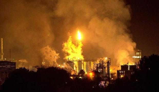 İspanya'da büyük patlama: Kimyasal alarm verildi