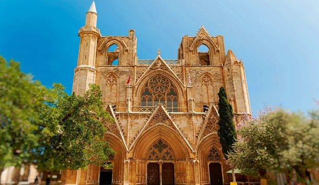 Kilise'den camiye çevrilen tarihi yapılar: Kıbrıs Lala Mustafa Paşa Camii