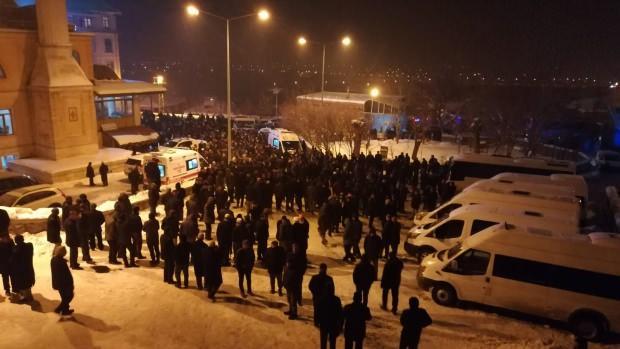 Seyda Abdülkerim Çevik kar yağışı altında toprağa verildi.