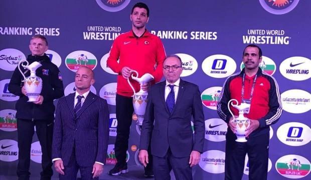 Milli güreşçilerimiz İtalya'ya damga vurdu!