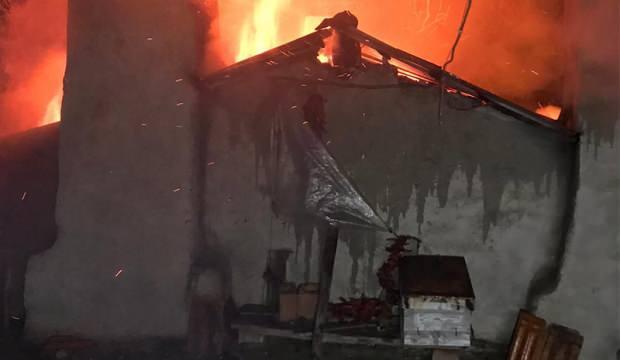 Muğla'daki yangında iki ev kullanılmaz hale geldi