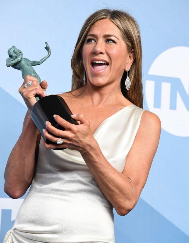 En İyi Kadın Oyuncu seçilen Jennifer Aniston