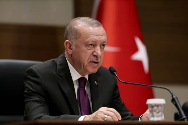 Cumhurbaşkanı Erdoğan, Atatürk Havalimanı'nda basın mensuplarına açıklama yaptı.