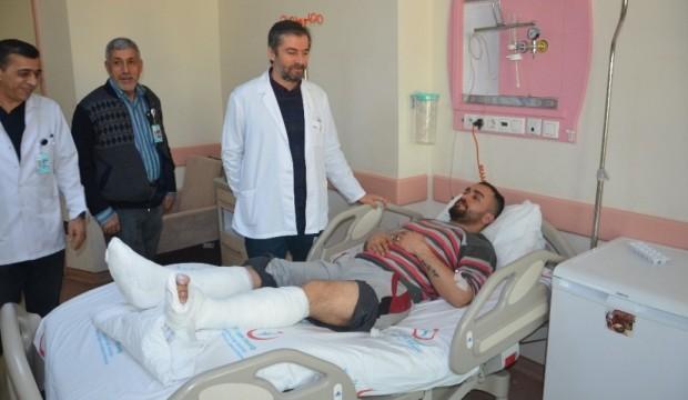 Depremde camdan atladı, 2 ayağı da kırıldı