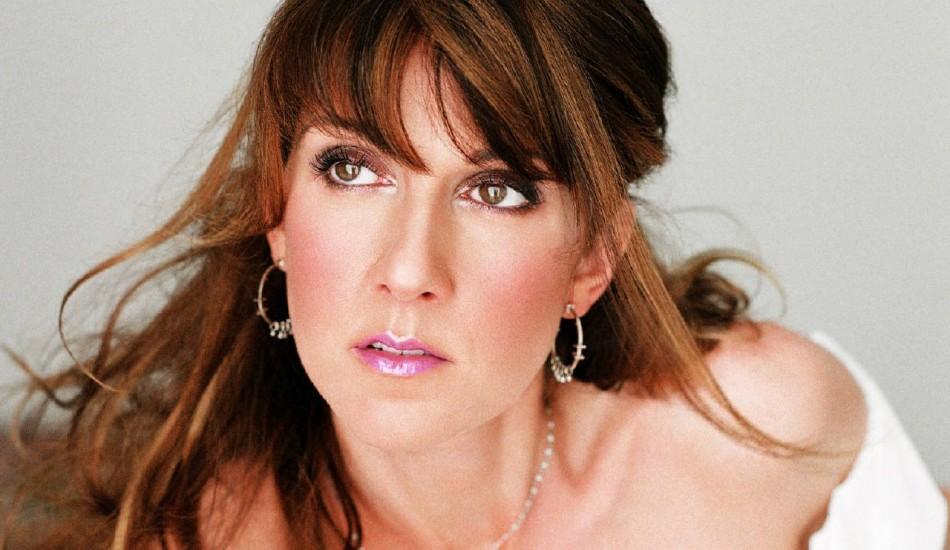 Şarkıcı Celine Dion, annesini kaybetti! Konser verdi...