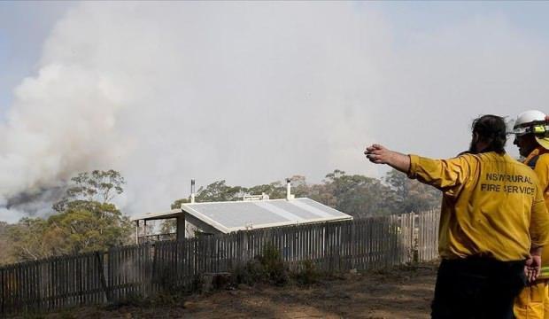 Yangınlar nedeniyle Canberra Havalimanı uçuşlara kapatıldı