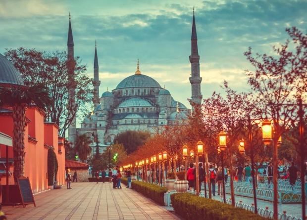 Türkiye'de ucuz sokak yemekleri nerelerde yenir?
