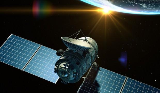 Uzay'da tehlikeli yakınlaşma!