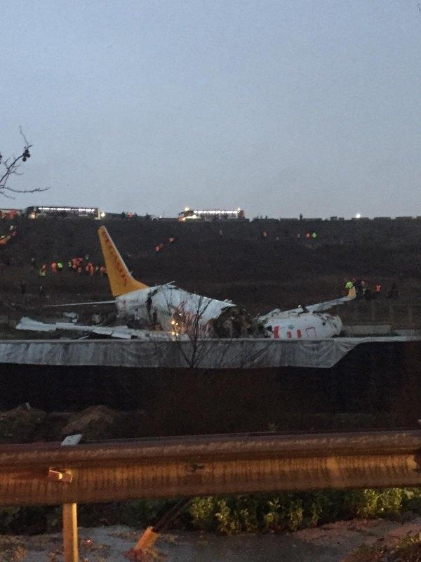 Sabiha Gökçen Havalimanı'nda uçak pistten çıktı - Son dakika