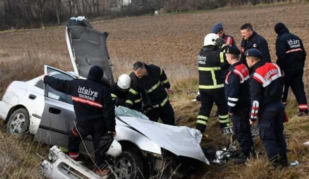 Tekirdağ'da iki araç çarpıştı: 1 ölü, 4 yaralı
