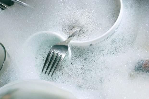 Kurumuş bulaşıklar nasıl yıkanır?