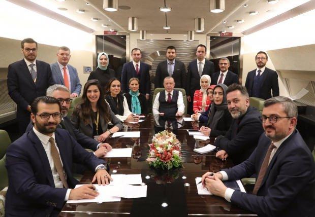 Cumhurbaşkanı Erdoğan, Pakistan dönüşünde basın mensuplarına açıklama yaptı.