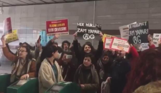 Öğrencilerden İBB'nin fahiş zammına protesto: Her şey çok zamlı oluyor