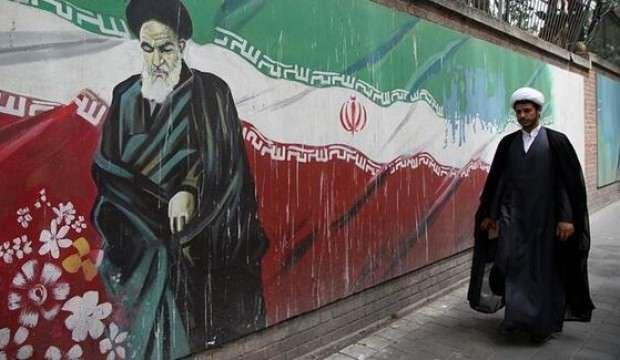 İran Devrim Muhafızları komutanı koronavirüs nedeniyle hayatını kaybetti