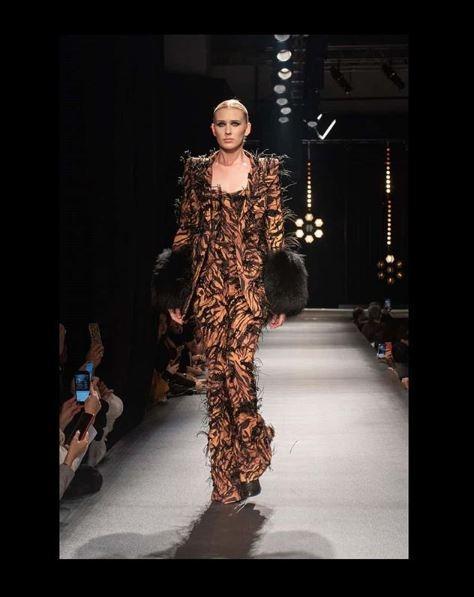 hakan akkaya fashion week