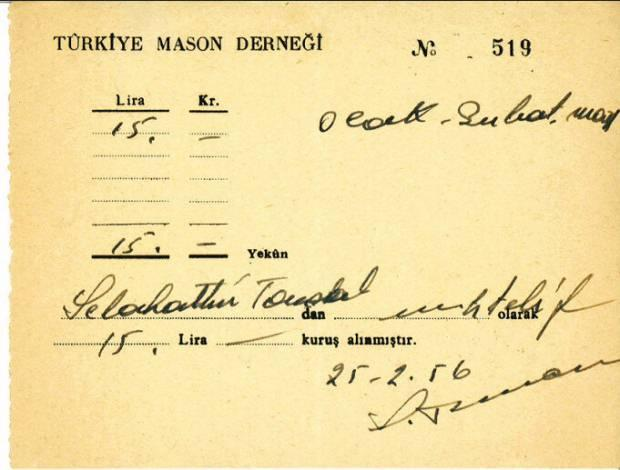 Türkiye Mason Derneği'nin 1956 yılına ait makbuz koçanı ile R.L.Humanitas Locası'nın 1972 yılındaki 10'uncu yıl kutlama davetiyesi, mason derneklerinin söylendiği gibi 1935'te kapatılmadığının ispatı.